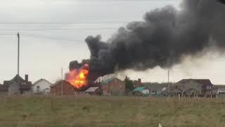В Уфе загорелся загородный дом. Видео страшного пожара
