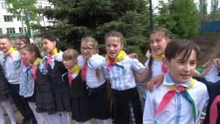 Янаул. Ребят принимают в пионеры (2)