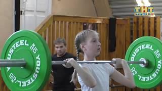 Мужской вид спорта покоряют девушки