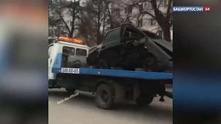 По улицам Уфы проехали искореженные в ДТП автомобили - видео