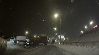 Снегопад парализовал дороги