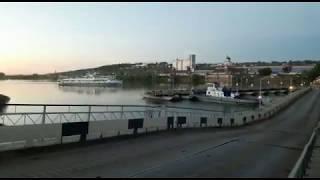 Понтонный мост через реку Белая возле города Бирск.