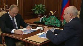 Владимир Путин встретился с главой республики Башкортостан Рустэмом Хамитовым.
