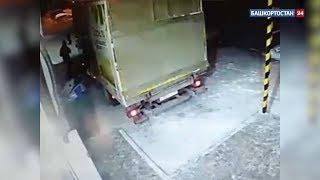 Спешивший домой житель Уфы улетел в кювет на угнанном грузовике