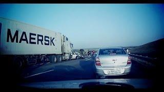 Подборка страшных аварий грузовиков 2 / Truck crash compilation / 18+