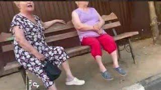 Бабуля мат перемаматом разговаривает  улю аж трясет от нервов.