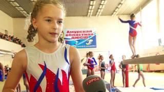 Юные гимнасты Благовещенска выполнили головокружительные трюки