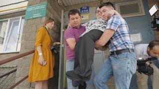 UTV. В Уфе чиновники 5 лет не могут решить, кто будет платить за установку пандуса для инвалида