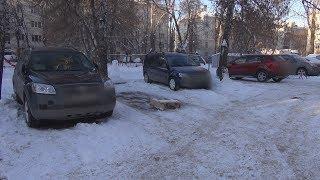 UTV. Жители уфимского двора захватили землю для своих автомобилей, несмотря на протесты соседей