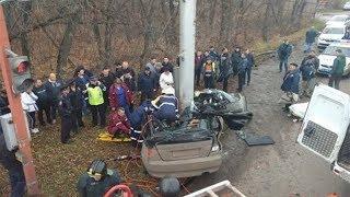 Жуткая авария в Башкирии: элитную иномарку разрезало пополам