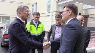 Глава Красногорска Радий Хабиров на заводе Кнауф гипс