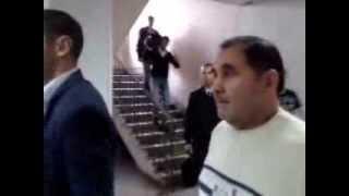 Замглавы Уфимского района выгоняет людей с общественных слушаний по Кроношпану