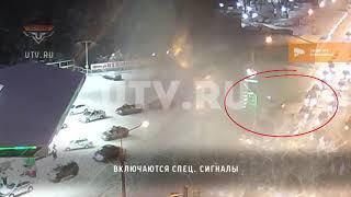 В Уфе внедорожник ГИБДД после выезда с АЗС попал в ДТП