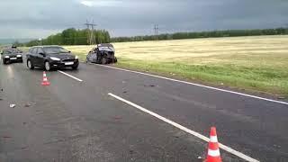 На автодороге Туймазы-Белебей произошло лобовое столкновение двух автомобилей
