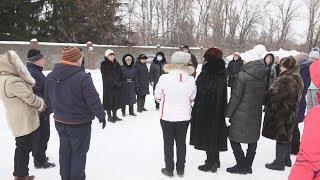 UTV. Жители села под Уфой выступают против того, чтобы к ним свозили больных коронавирусом