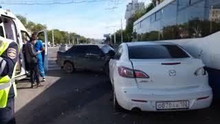 На проспекте Октября произошла авария