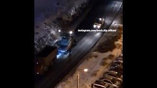 В Уфе дорожники укладывают асфальт на снег ночью | Ufa1.RU