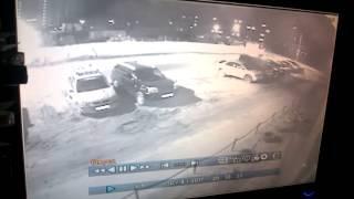 Ночью в Благовещенске автомобиль протаранил припаркованные машины