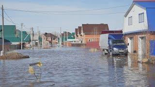 UTV. Под Уфой затопило поселок Зубово. Жители отказываются от эвакуации