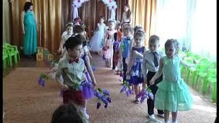 """танец """" Маленькая страна"""" на выпускном утреннике в детском саду"""