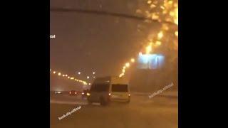 В Уфе маршрутка дрифтует в непогоду | Ufa1.RU