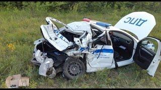 Грузовик вытолкал автомобиль ДПС в кювет Дтп в Самарской области