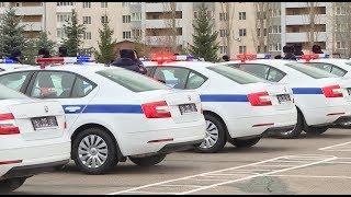 Уфимским сотрудникам ГИБДД вручили 32 новых служебных автомобиля