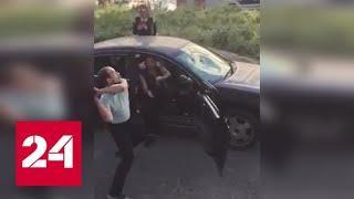 """""""Где бабки?"""": в Магадане требующий денег кредитор разбил чужую машину - Россия 24"""
