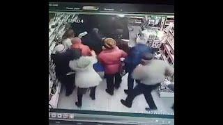 В Уфе покупатели устроили давку из-за скидки на телевизор | Ufa1.RU