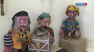 В галерее «Ижад» организовали выставку кукол из известных детских спектаклей