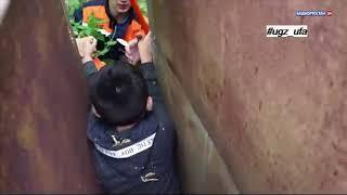 Полез за телефоном: в Уфе между гаражами застрял 10-летний мальчик
