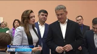 Радий Хабиров посетил родную деревню Сайраново