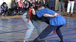 Соревнования по борьбе на поясах памяти ветерана