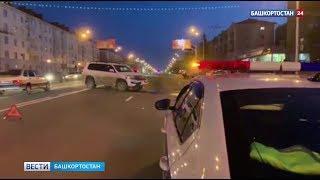 В Уфе столкнулись Land Cruiser и мотоцикл: есть пострадавший