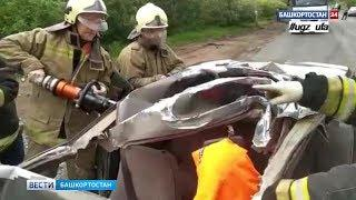 В Уфе столкнулись легковушка и КамАЗ: есть пострадавший