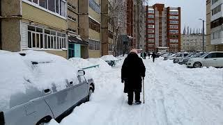 Снег, бесплатная парковка, права пешихода. Нефтекамск, РБ РФ