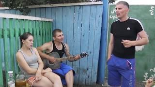 очень красивая песня  под гитару .   (Ефимов Анатолий)