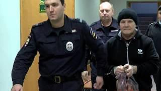 Экс-мэр Благовещенска Александр Мигуля идет в зал суда