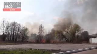 В Киеве Троещину затянуло дымом