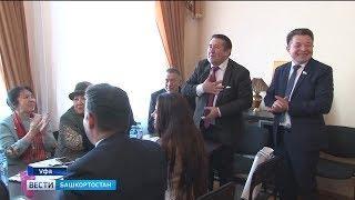 В Уфе состоялся круглый стол с участием известных башкирских и татарских литераторов