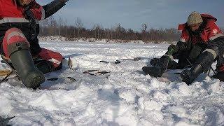 Бешенный клёв ПОДЛЕЩИКА ❌ Зимняя рыбалка в Башкирии