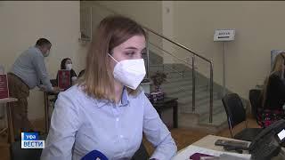 В Антиковидный центр республики поступает все больше вопросов о вакцинации