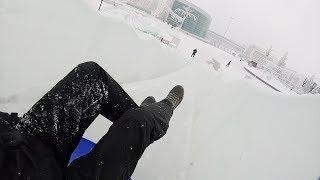Тест-драйв ледяной горки на площади Салавата Юлаева