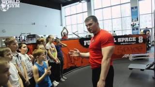 World Gym - Стерлитамак, знакомство юных Членов Клуба с тренажерам залом.