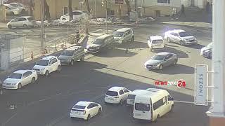 Неоднозначное ДТП случилось накануне в районе авангарда во Владивостоке.