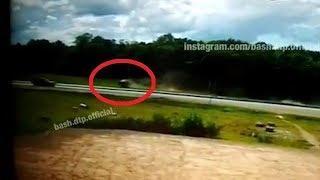 Перевернулся пять раз: пьяный водитель в Башкирии на большой скорости вылетел в кювет