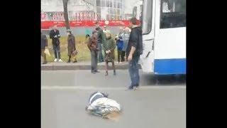 В Уфе у остановки ЖД больница НЕФАЗ сбил женщину