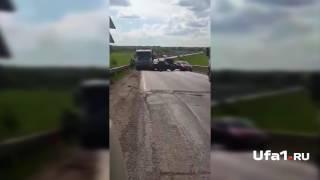 Автоледи устроила драку на трассе
