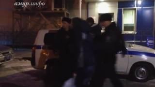 В Благовещенске пьяная семья и полиция сошлись в «поединке»