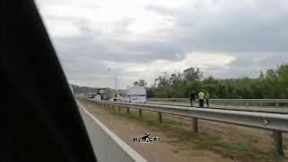 Сегодня днем на трассе Уфа – Оренбург в Стерлитамакском районе Башкирии фура снесла УАЗ дорожников